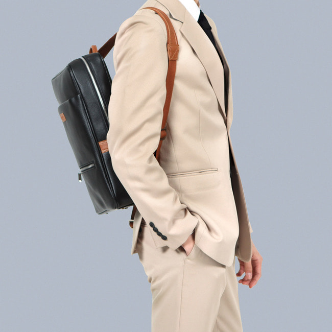 LEATHER SQUARE DANDY BACK PACK