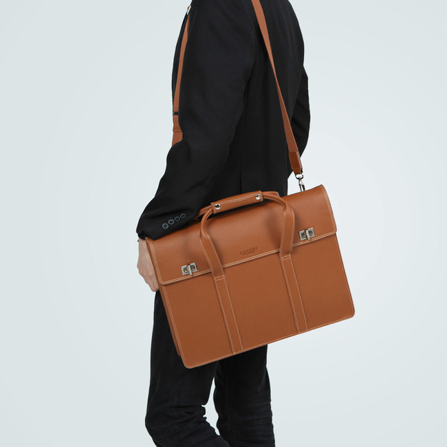 LEATHER TOTE & BRIEFCASE